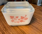 Pyrex Pink Gooseberry Refrigerator Dish and Lid 1 1 2 Cup