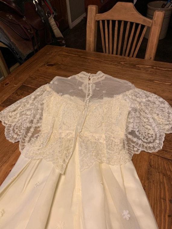 Early 1900s Style Ivory Wedding Dress - image 9