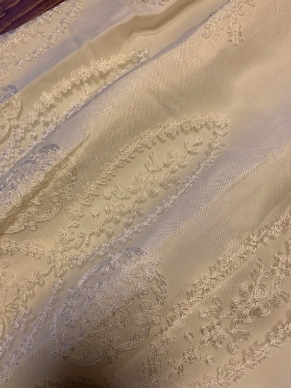 Early 1900s Style Ivory Wedding Dress - image 6