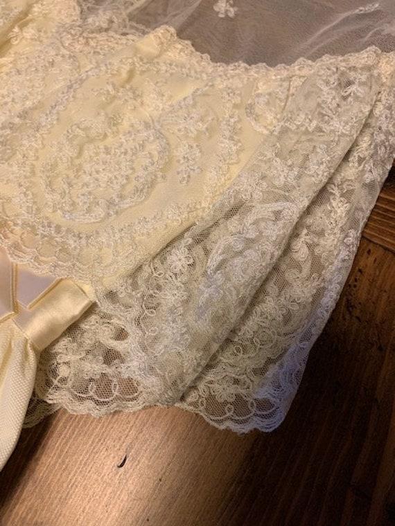 Early 1900s Style Ivory Wedding Dress - image 3