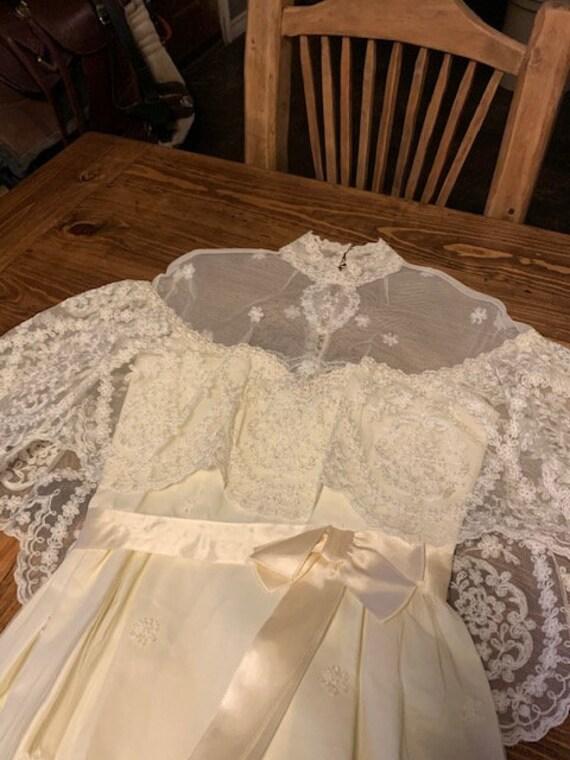 Early 1900s Style Ivory Wedding Dress - image 10