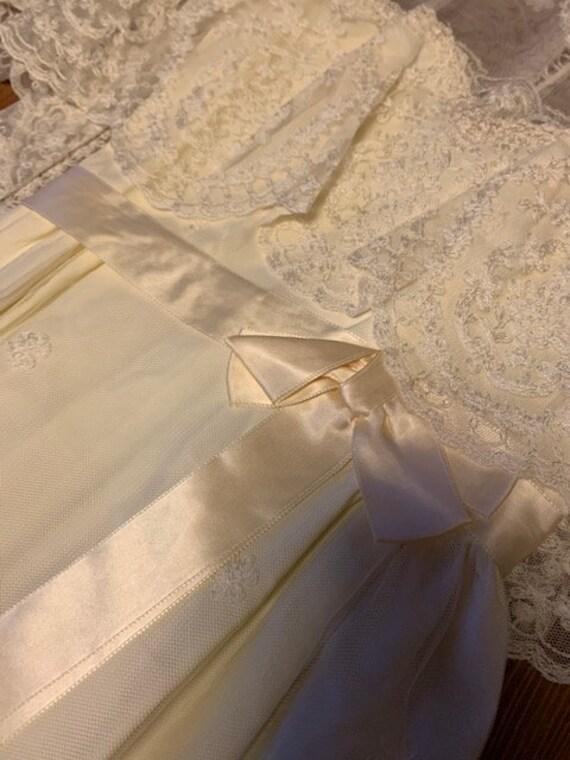 Early 1900s Style Ivory Wedding Dress - image 4