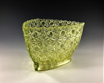 Beautiful Vaseline Glass EAPG Sugar Bowl - Gillinder and Sons Glass - Daisy Button With Thin Lines - Triangle Pattern - Circa 1880s