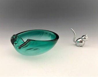 Teal Glass Snail Shell Ashtray - Pipe or Cigar Ashtray - Sea Shell Art Glass Ashtray - Trinket Bowl