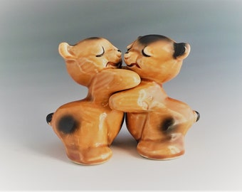 Vintage Van Tellingen Hugging Bears - Salt and Pepper Shakers - Mid Century Decor