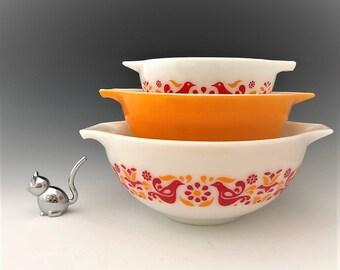 Set of 3 Pyrex Cinderella Nesting Bowls - Friendship Pattern - 441 - 442 - 443 Bowls