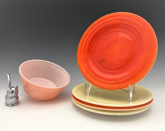 Hazel Atlas Moderntone Platonite  - Set of Four Sherbet Plates and Cereal Bowl - 5 Pieces