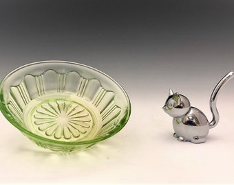 Hocking Glass Colonial Pattern - Small Fruit of Dessert Bowl - Green Depression Glass - Glowing Uranium Glass