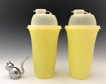 Set of 2 Yellow TUPPERWARE 16 Oz Quick Shake Mixer Blender Container #844-4