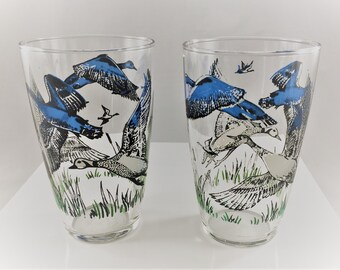 Set of 2 Vintage Flying Duck Tumblers - Libbey Glassware - Waterfowl in Flight - 12 Ounce Glasses