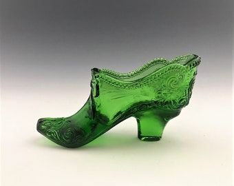 L.G. Wright Queen Ann Green Glass Slipper - Baroque Design