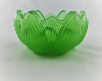 Vintage Fenton Glass Lotus Flower Votive Candle Holder - Green Water Lily Candle Bowl