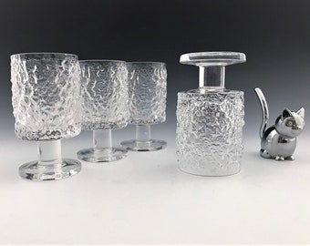 Set of 4 Scandinavian Drinking Glasses - Small Textured Cocktail or Juice Glasses - Lead Crystal