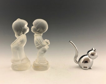 Fenton Kissing Boy and Girl Figures - Frosted Glass Figurines