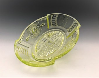 EAPG Pickle Dish - Medallion Pattern - Early American Pattern Glass - Circa 1885