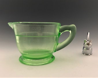 Uranium Glass Measuring Cup - 2 Cup Capacity - Green Depression Glass