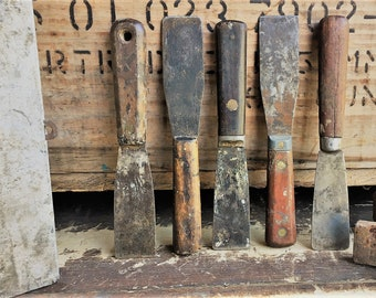 Collection of 5 Vintage Paint Scrapers - Wooden Handled Scrapers - Vintage Tools