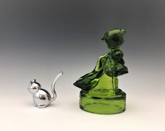 L.E. Smith No. 6620 Goose Girl - Green Glass Girl With Geese Figurine