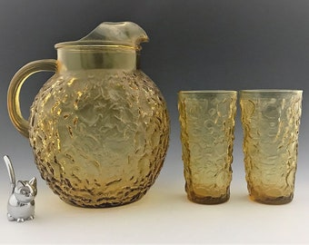 Anchor Hocking Milano Honey Gold - Amber Glass Water Pitcher - Crinkle Pattern With Two Glasses