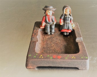 Vintage Cast Iron Ashtray - Amish Figures - Pennsylvania Dutch - Wilton Prod