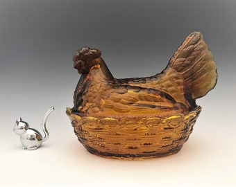 Large Amber Glass Hen On Nest - Chicken Lovers Unite - Covered Glass Chicken Candy Dish
