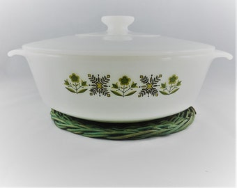 Anchor Hocking Fire King - 1 1/2 Quart Covered Casserole Dish - Meadow Green - Never Used - Original Label