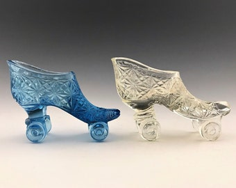 Set of 2 Glass Slipper Roller Skates - Daisy Button Pattern