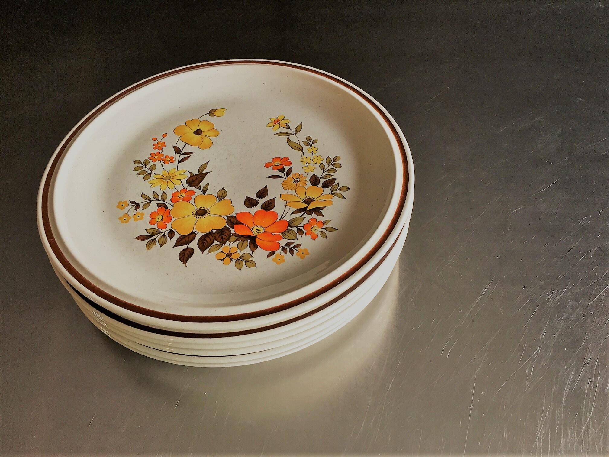 Set Of Two Vintage 70s Dinner Plates Hearthside Stoneware Chablis Pattern Mid Century Dinnerware
