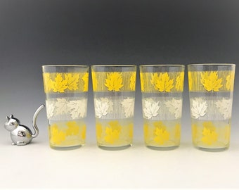 Set of Four Retro Tumblers - Yellow and White Leaf Design - Mid Century Drinking Glasses - Swanky Swigs