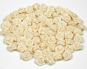 20 heads of 1.50 cm in diameter ref 815 cream champagne satin rose
