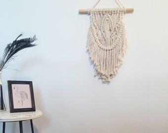 Small macrame wall hanging, macrame tappiserie en macrame, wandkleed, fiberart, macrame tapestry, wallhanger