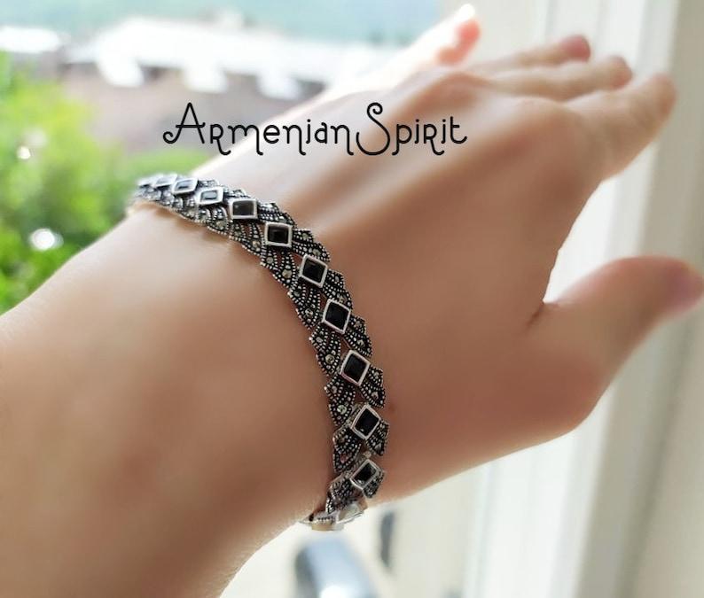 Beautiful 925 Sterling Silver black stones Marcasite Bracelet