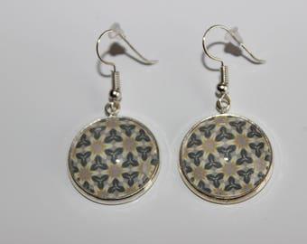 cabochon 20 mm triangle diamond beige pattern hook earrings