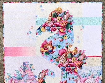 Sally Quilt Kit/Seahorse Quilt Kit/Quilted Wall Hanging/Focus Fabric Kit/Quilt Pattern/Coastal Decor/Fusible Applique/Use Both Sides