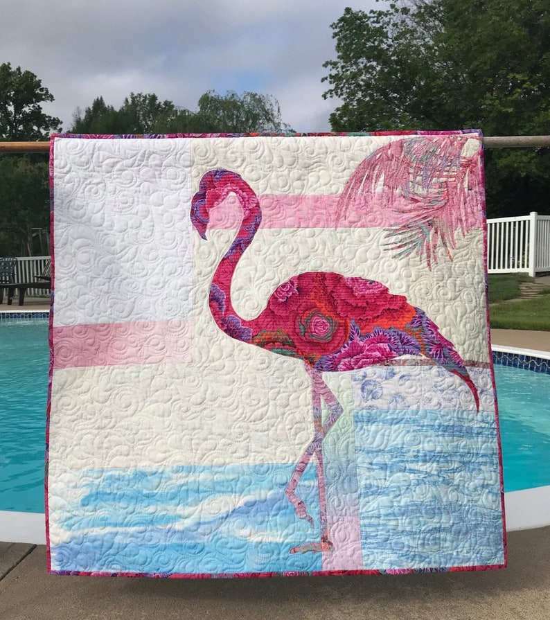 Fiona Quilt Pattern / Flamingo / Quilted Wall Hanging / image 0