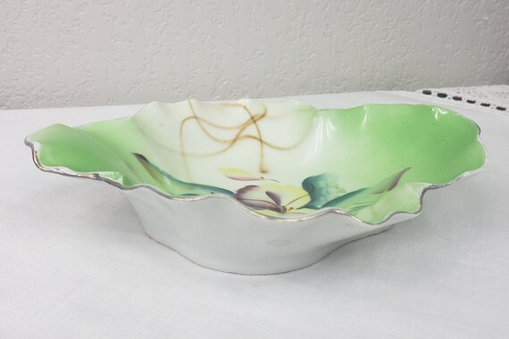 1930s RS Oyster Bowl Perfect Trinket Dish For Men or Women Bridesmaids or Groomsman Gift White with Gold Trim Reinhold Schlegelmilch