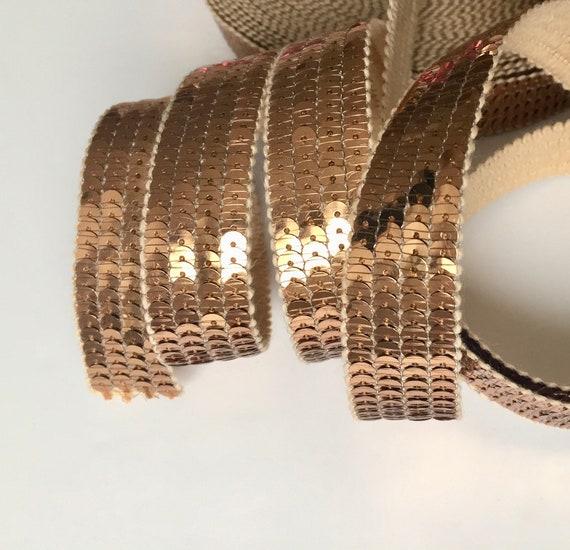 Galon blanc brodé de sequins bronze et perles  1m x 80 mm