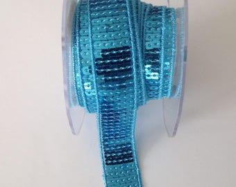 Galon a paillettes carré bleu turquoise en 5 rangs - 2cm