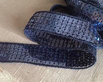 Galon a paillettes carré couleur bleu marine