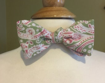 Cecil's Mint green and pale pink paisley bow tie