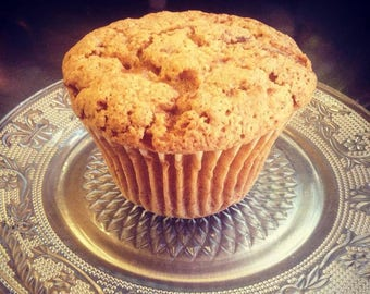 Six large, low sodium Carrot Cake muffins.  Made with no salt.  Big, bakery-style muffins!  Dense and hearty, perfect for breakfast or snack