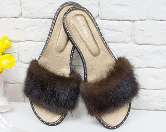 Flip Flops from natural mink and leather