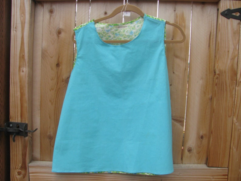 woman/'s blouse size large made with cotton