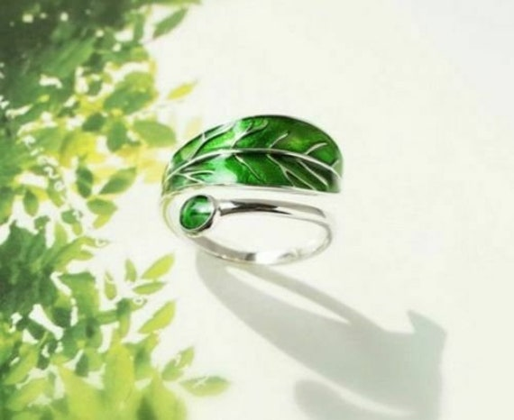 8 Womens 925 Sterling Silver Simulated White Opal Olive Branch 12mm Ring