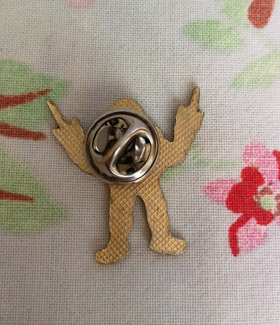 Retro 90s pin badge. Teenage Mutant Ninja Turtles