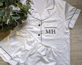 Holly Personalised Bride and Bridesmaid Pyjama  PJ/'s Sets Bridesmaid Gift Bridal Party PJ/'s Pink Name Pjs Personalised Pyjamas