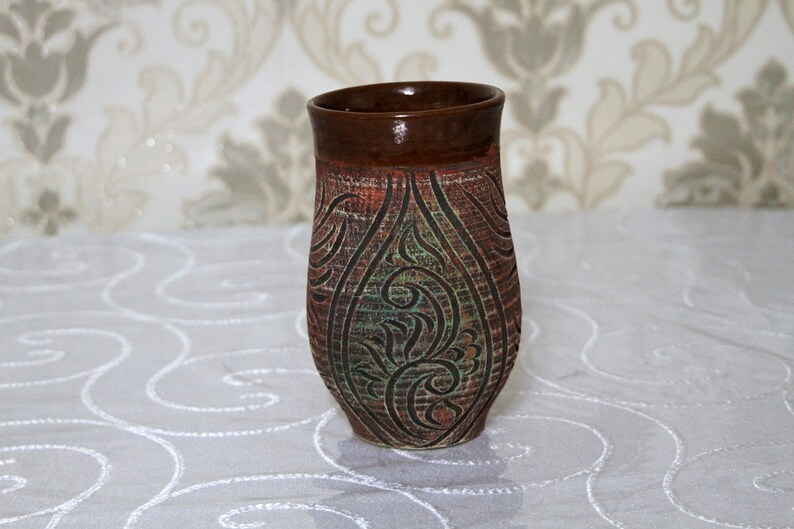XL ceramic terracotta mug for hot and soft drinks. Natural image 0