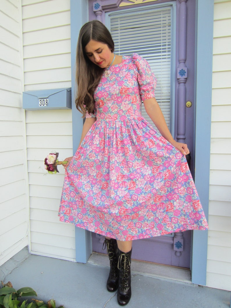 5851654319cd43 Mint 80 s Laura Ashley Floral Puff Sleeve Prairie Dress