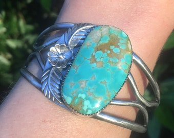 Gorgeous Royston Turquoise Cuff Bracelet with flower & leaf details size S/M (5.5 in)