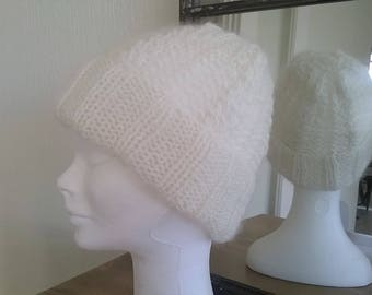 HAT ECRU CABLE HAND KNITTED AND MOSS STITCH